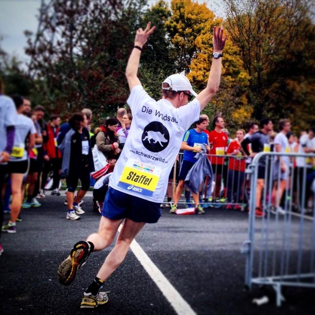 schwarzwild beim Frankfurt-Marathon