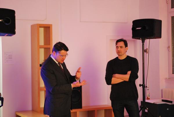 Staatsminister Boris Rhein (li.) und Oliver Naegele (re.) vom Fintech Headquarter